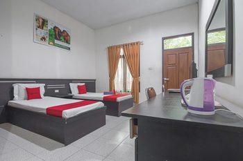 RedDoorz near Radin Intan Airport Lampung Lampung Selatan - RedDoorz Twin Room Last Minute Deal