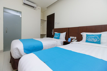 Airy Wajo Banda 37 Makassar Makassar - Standard Twin Room with Breakfast Regular Plan