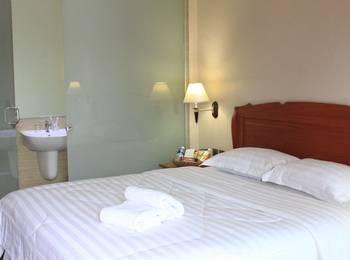 Thong's Inn Hotel Kualanamu Deli Serdang - Deluxe Double Bed Regular Plan
