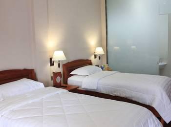 Thong's Inn Hotel Kualanamu Deli Serdang - Deluxe Twin Bed Regular Plan