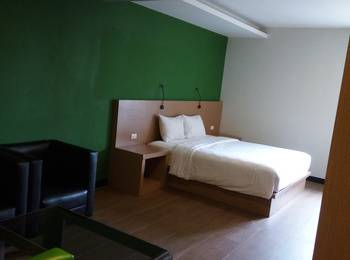 Hotel Candi Indah Semarang - Stylish Room Regular Plan