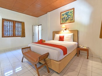 RedDoorz near Beachwalk Mall Kuta Bali - RedDoorz Room Basic Deal 45%
