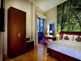 Kuta Central Park Hotel Bali - Studio Triple With Breakfast Same Day Promo 53% No refund