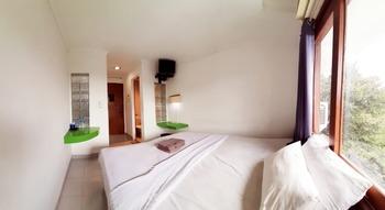 The Winotosastro Hotel Syariah Yogyakarta Yogyakarta - Standard Room Only  Best Deal