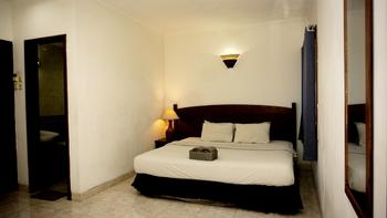 The Winotosastro Hotel Syariah Yogyakarta Yogyakarta - Deluxe Room Only Best Deal