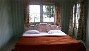 Puncak Resort Drive 233 by Aryaduta Cianjur - 2 BedroomVilla With 2 Bedrooms Best Deal