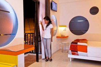 Dewarna Hotel Malang - Deluxe Room Breakfast Regular Plan