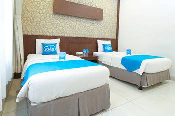 Airy Cicendo Otten 6 Bandung - Deluxe Twin Room with Breakfast Special Promo Jan 5