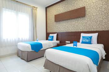 Airy Cicendo Otten 6 Bandung - Deluxe Twin Room Only Regular Plan