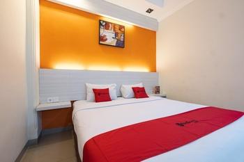 RedDoorz Plus @ The Alden Hotel Makassar - RedDoorz Premium  Last Minute