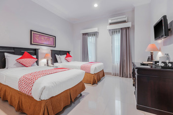 Capital O 534 Sriwijaya Hotel Jakarta - Deluxe Twin Room Regular Plan