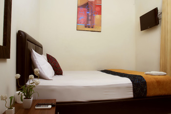 Bantal Guling Gatsu Bandung - Double Superior AC  Room Only 20% For Stay 5 Nights