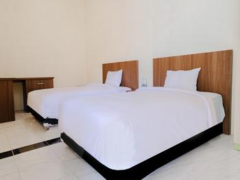 Semampir Residence Surabaya - Deluxe Twin Room  Regular Plan