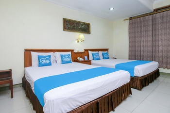 Airy Alun Alun Kejaksaan Siliwangi 108 Cirebon - VIP Double Room with Breakfast Regular Plan