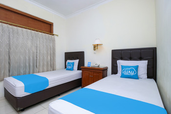 Airy Alun Alun Kejaksaan Siliwangi 108 Cirebon - Deluxe Twin Room with Breakfast Special Promo Oct 47