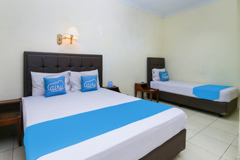 Airy Alun Alun Kejaksaan Siliwangi 108 Cirebon - Family Double Room with Breakfast Special Promo 5