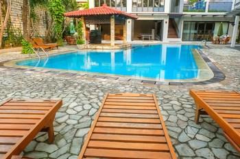 3BR Spacious Senopati SCBD Apartment By Travelio