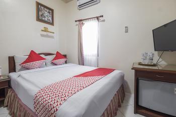 OYO 1090 Hotel Anging Mammiri Makassar Makassar - Standard Double Room Regular Plan