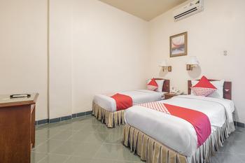 OYO 1090 Hotel Anging Mammiri Makassar Makassar - Deluxe Twin Room Regular Plan