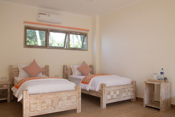 Bondalem Beach Club Bali - Twin Or Double Room in 11 Bedroom Compound 12% diskon non-stop