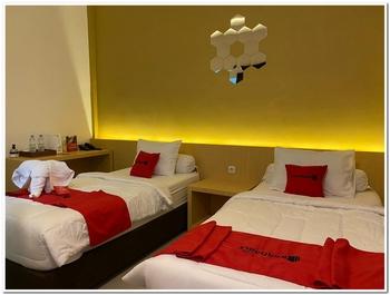RedDoorz Plus Syariah near Museum Lampung Bandar Lampung - RedDoorz Twin Room Basic Deal