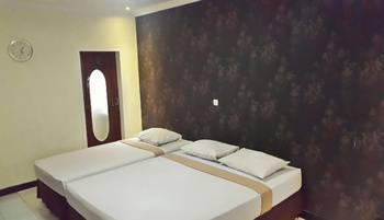 Puri Tomat Hotel Bandung - Flamboyan Room Regular Plan