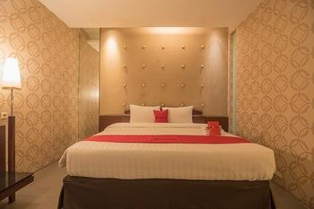 RedDoorz Plus @ Cipaganti Street 3 Bandung - RedDoorz Suite with Breakfast Regular Plan
