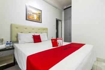 RedDoorz near Gajah Mada Plaza 2 Jakarta - RedDoorz Room 24 Hours Deal