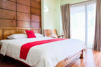 RedDoorz near Juanda Airport T2 Sedati - RedDoorz Room Regular Plan