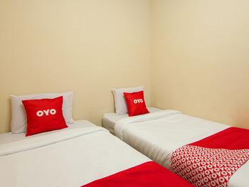 OYO 2045 Hotel 211 Danau Toba - Standard Twin Room Regular Plan