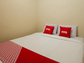 OYO 2045 Hotel 211 Danau Toba - Standard Double Room Regular Plan