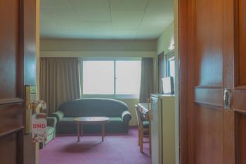 Collection O 7 Hotel Melawai Jakarta - Deluxe Double Room Regular Plan