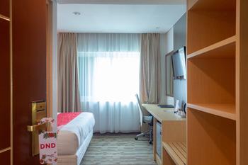 Collection O 7 Hotel Melawai Jakarta - Standard Double Room Regular Plan