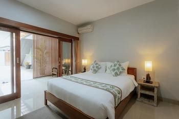 Nudel Room & Cafe Bali - Deluxe Double Private Bathroom Always On