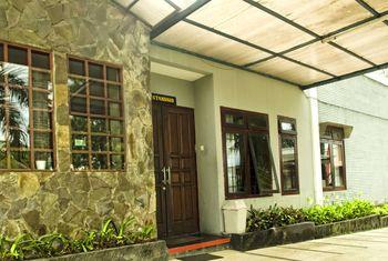 Toetie Boutique Villa & Resort Malang - Standard Double Room Regular Plan