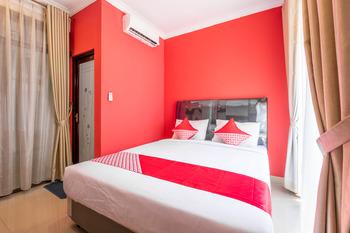 OYO 1032 Rahayu Residence Syariah Cirebon - Deluxe Double Room Regular Plan