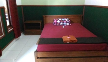 ADA Homestay Magelang - Double AC Room Only Regular Plan