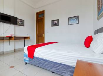 RedDoorz @ Taman Menteng Bintaro South Tangerang - RedDoorz Room Regular Plan