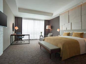 Crowne Plaza Bandung Bandung - Deluxe King With Breakfast Regular Plan