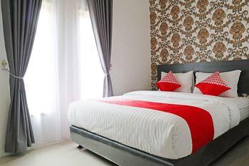 OYO 1185 Sachila Residence Syariah Padang - Standard Double Room Regular Plan