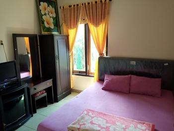 Puri Made 2 Homestay Banyuwangi - Standar AC + TV Regular Plan