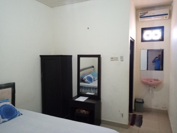 Puri Made 2 Homestay Banyuwangi - Standar AC Regular Plan