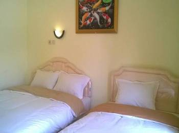 Griya Imafa Guest House Malang - Triple Room Regular Plan