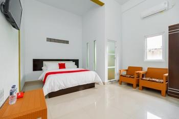 RedDoorz Syariah near Simpang Sekip Palembang Palembang - RedDoorz Deluxe Room Special Deals