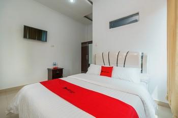 RedDoorz Syariah near Simpang Sekip Palembang Palembang - RedDoorz Room Special Deals