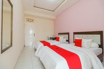 RedDoorz Syariah near Simpang Sekip Palembang Palembang - RedDoorz Family Room Basic Deal