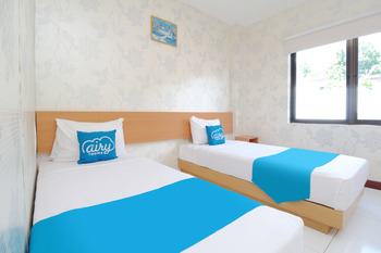 Airy Wanea Baru 54 Manado - Standard Twin Room Only Regular Plan