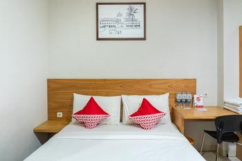 OYO 794 LN 9 Bandung Guest House Bandung - Suite Triple Regular Plan