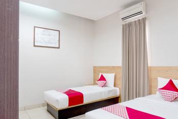 OYO 794 LN 9 Bandung Guest House Bandung - Deluxe Twin Room Regular Plan