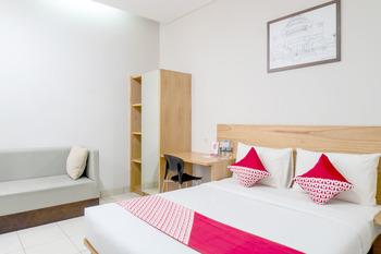 OYO 794 LN 9 Bandung Guest House Bandung - Deluxe Double Room Regular Plan